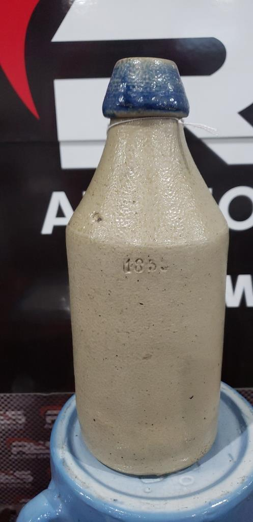 1851-stoneware-bottle