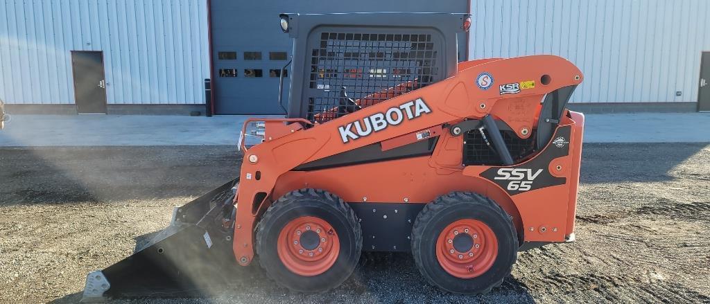 absolute-2016-kubota-ssv65phr-skid-loader