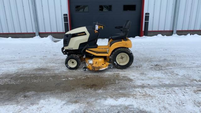 absolute-cub-cadet-gtx2100-riding-mower
