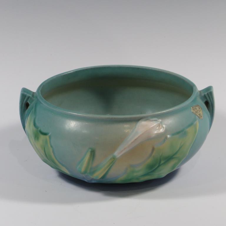roseville-thornapple-blue-bowl-excellent