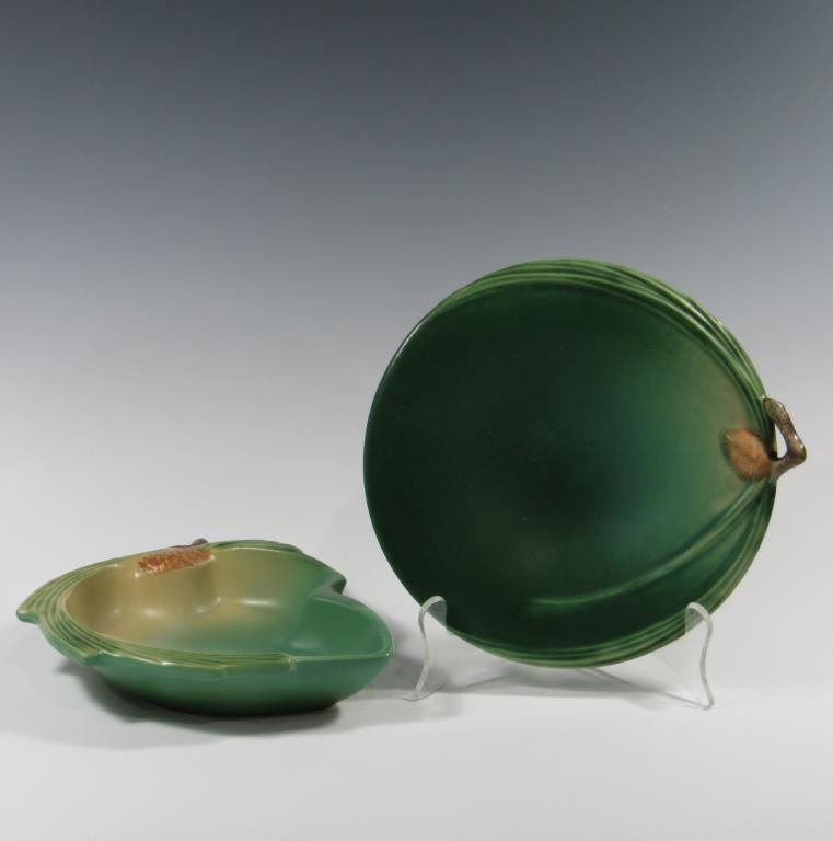 roseville-green-pine-cone-candy-dish-wall-plate