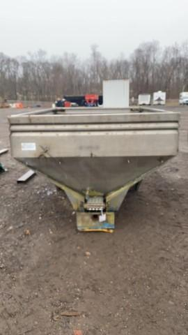 absolute-fertilizer-spreader-box
