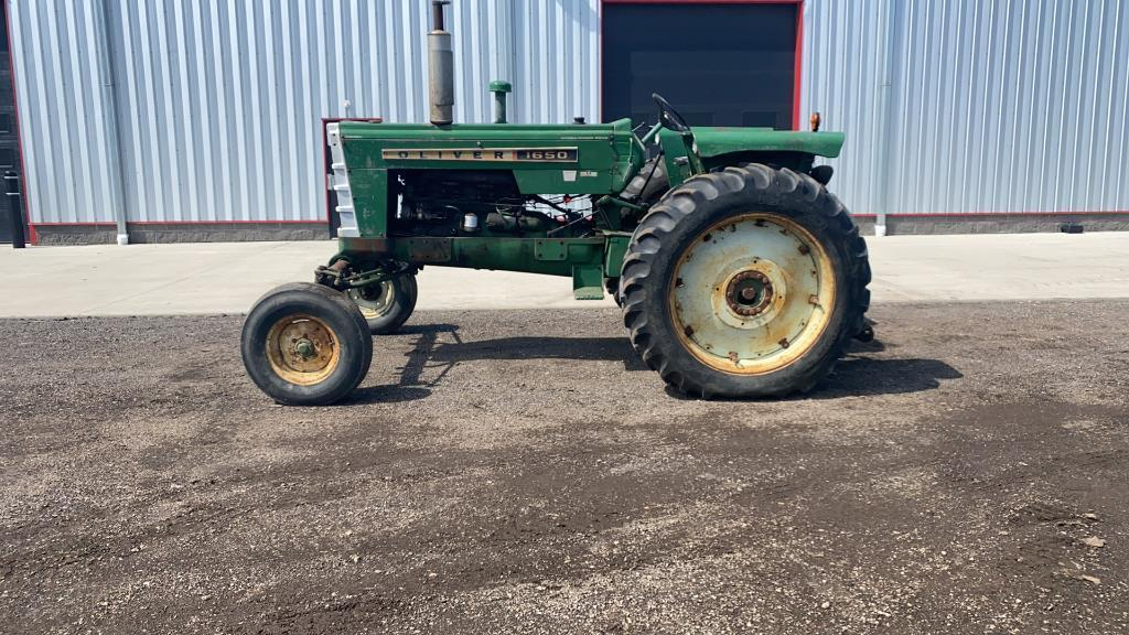 absolute-1969-oliver-1650-2wd-tractor