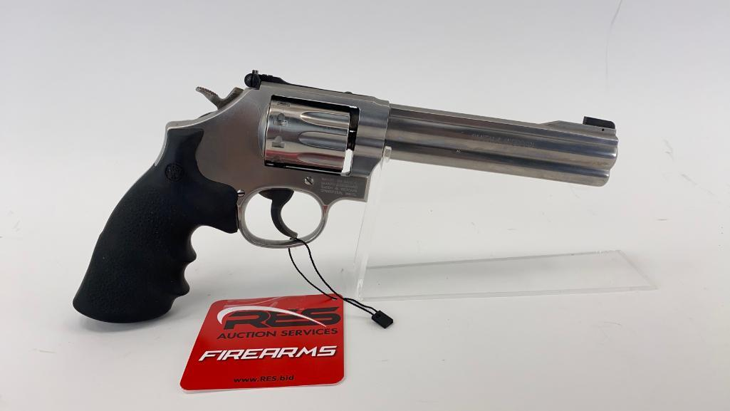 smith-wesson-617-22lr-double-action-revolver