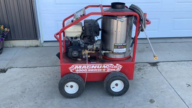 magnum-4000-series-gold-pressure-washer