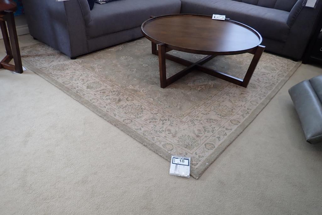 heritage-hall-79x99-display-area-rug