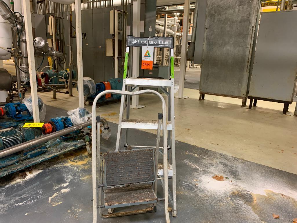 2-aluminum-step-ladders-lot
