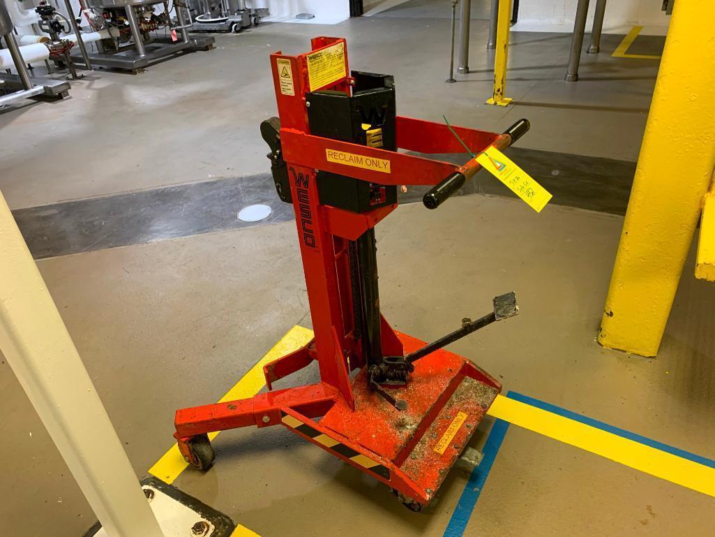 wesco-portable-barrel-lift-model-dm-1100-1100-lb-capacity