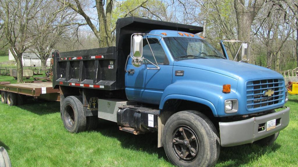 1996-chevrolet-c6500-gas-dump-truck-with-dual-rear-tires-6-6-6-9-yard-box