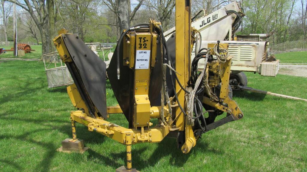 vermeer-ts-32-tree-spade-with-3-pt-hitch-sn-1vrc060mxe1000141