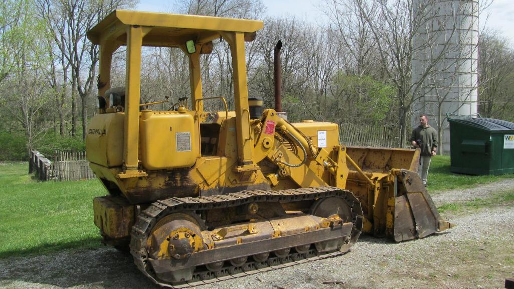 caterpillar-model-941b-diesel-crawler-with-80-clam-bucket-4478-hours