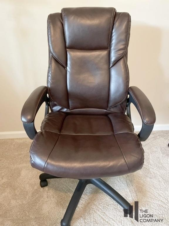 office-chair-with-adjustable-height