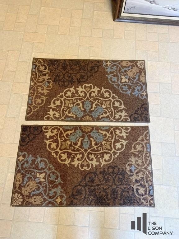 pair-of-decorative-mats