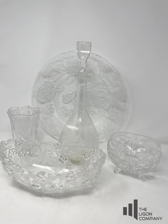 collection-of-glass-pieces-with-floral-motif