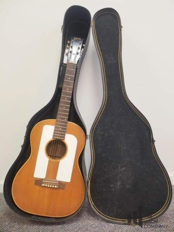 vintage-gibson-6-string-guitar