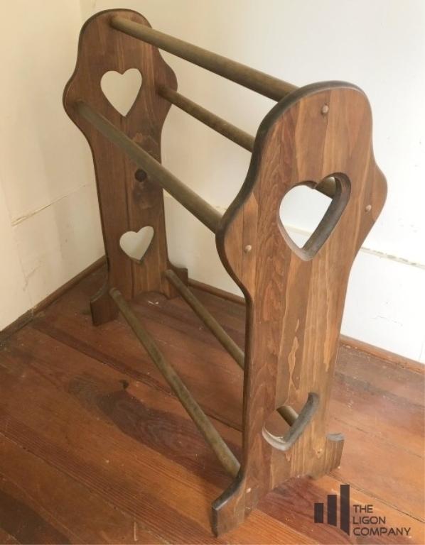 wooden-quilt-rack