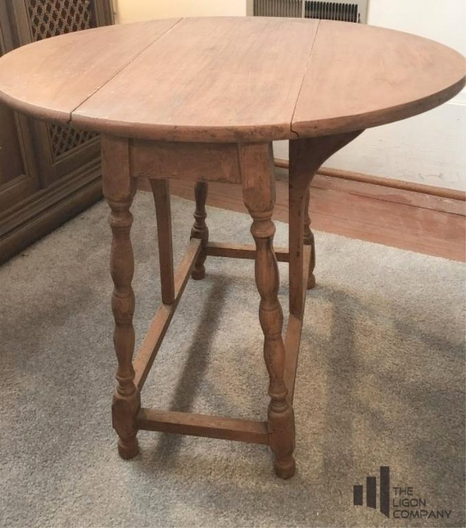 drop-leaf-lamp-table