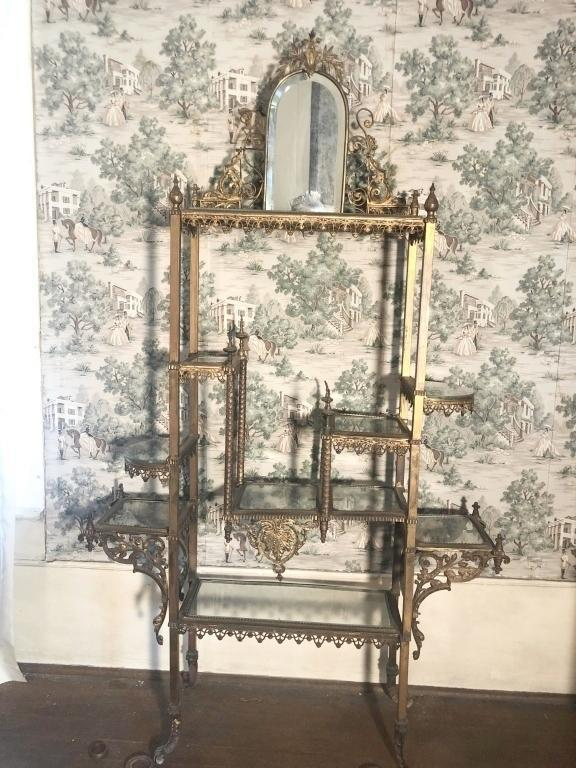 antique-gold-tone-metal-display-stand-with-m